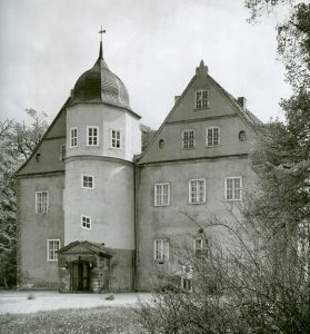 kw_schloss1991-compressed